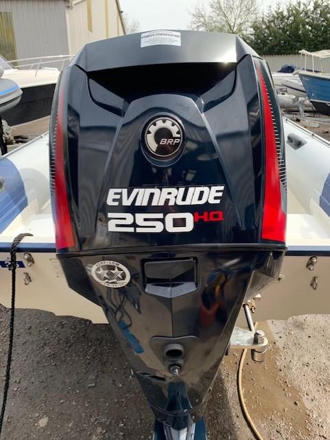 Phamton Evolution Sports Rib with Evinrude Etec 250HP
